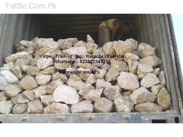 magnetite ore 45% lumps 100% super White