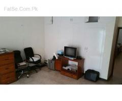 commercial office located in the heart of business center in new garden town opp barkat market